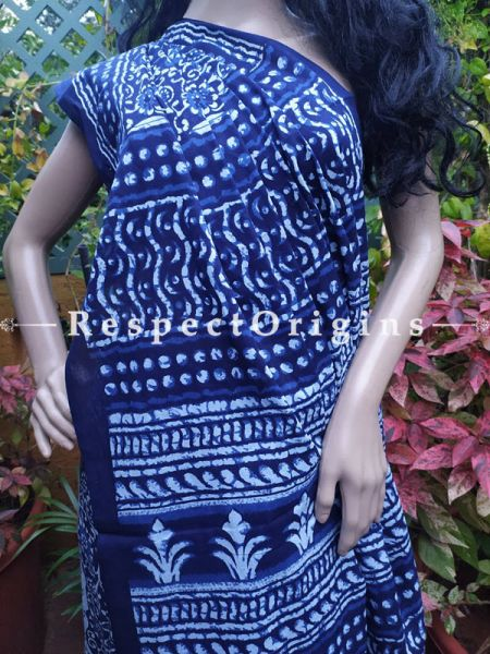 Buy Blue Floral Breezy Dabu Hand Printed Mul Cotton Saree with Blouse at RespectOrigins.com