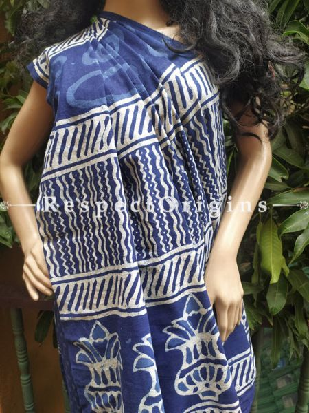 Buy Blue Floral Dabu Hand Printed Mul Cotton Saree with Blouse at RespectOrigins.com