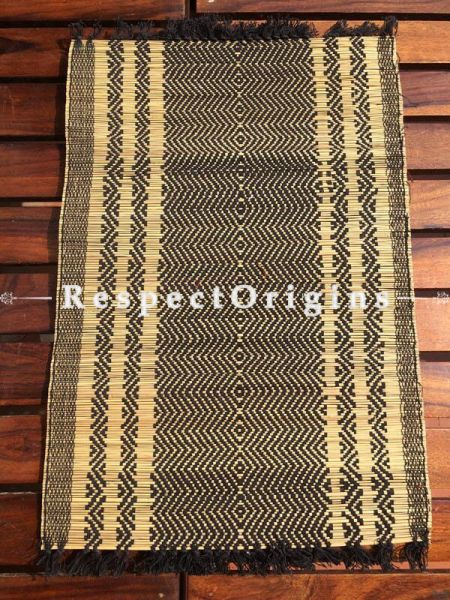 Buy Table Mats Online|One of a kind; Set of 6 Table Mats and a Runner; Kora Grass|RespectOrigins.com