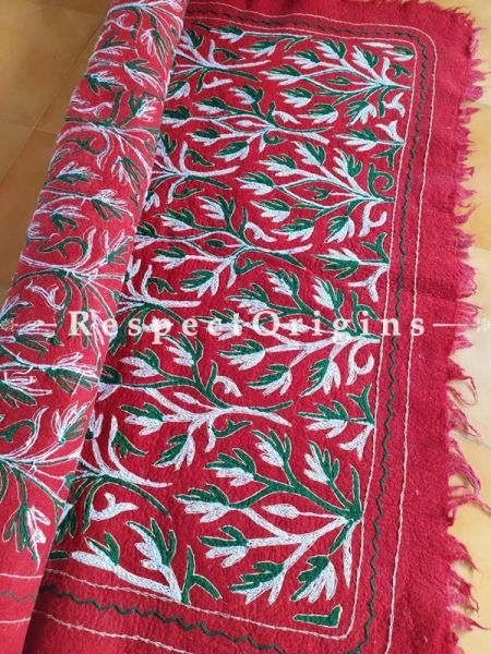 Classic Red Felted Namda Woolen Rug With Crewel Work; 8x5.5 Ft; RespectOrigins.com