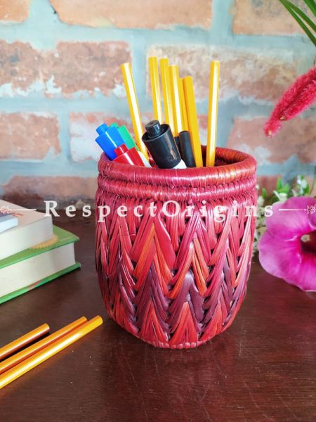 Multicoloured red and Brown Pencil or Cutlery Holder in Organic Natural Hand-braided Moonj Grass