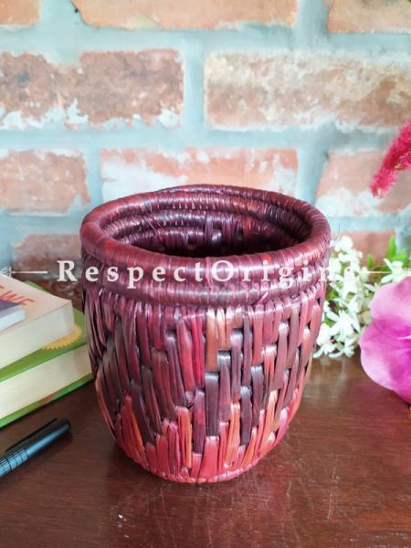 Buy Multicoloured Brown Pencil or Cutlery Holder in Organic Natural Hand-braided Moonj Grass at RespectOrigins.com